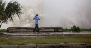 Florida se prepara para una marejada ciclónica potencialmente mortal antes de la tormenta tropical Elsa